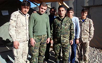Los intérpretes afganos que trabajan para las tropas españolas en Moqur. | M. B.