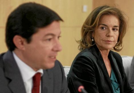 Ana Botella junto al ex delegado de Economía Pedro Calvo. | Javier Barbancho