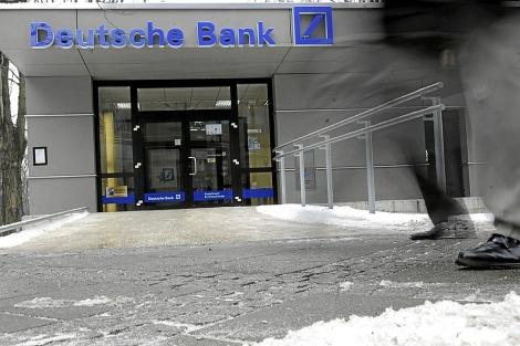 Entrada de la sede de Deutsche Bank en Fráncfort.