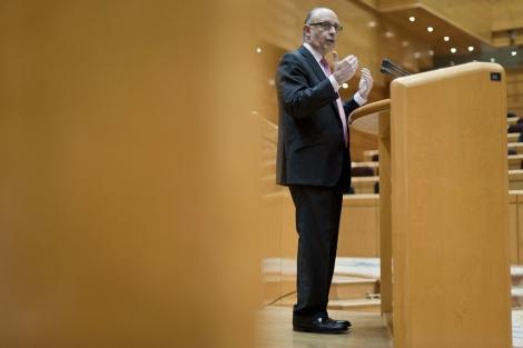 El ministro de Hacienda, Cristóbal Montoro.   Gonzalo Arroyo