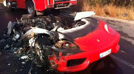Estado en el que ha quedado el Ferrari de Ever Banega   Vicent Bosch