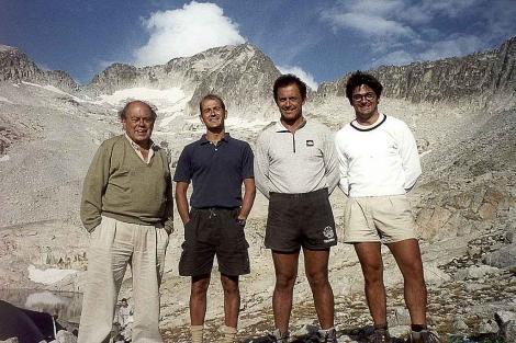 Jordi Pujol, con sus hijos Pere, Jordi y Oriol, en el monte Aneto en 1999. | Foto: EL MUNDO