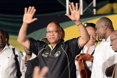 El presidente Jacob Zuma celebra su reelección al frente del CNA. | Afp