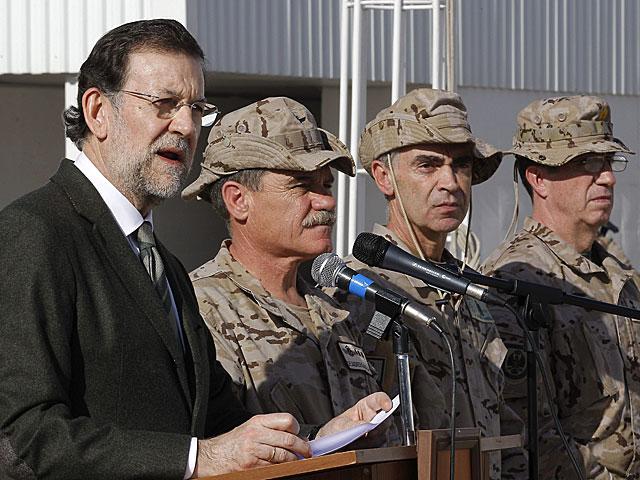 Rajoy se dirige a las tropas en Afganistán. | Kote / Efe
