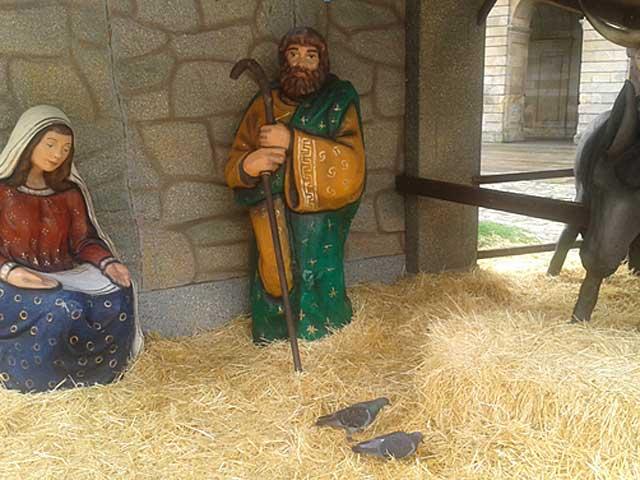 Portal de belen sin Niño Jesús