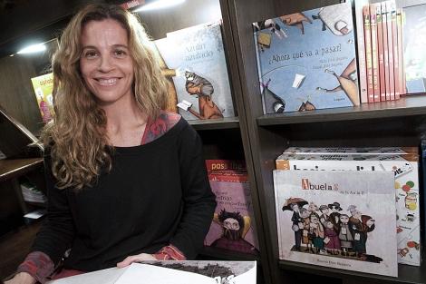 Raquel Díaz Reguera, autora de 'Abuelas de la A a la Z'. | Efe