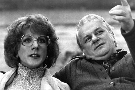 Fotograma de la película 'Tootsie': Charles Durning junto a Dustin Hoffman.