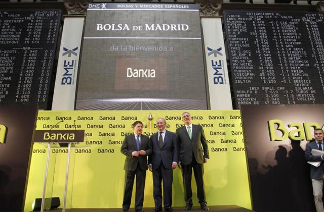 Rodrigo Rato y José Luis Olivas en el debut bursátil de Bankia. | Sergio González