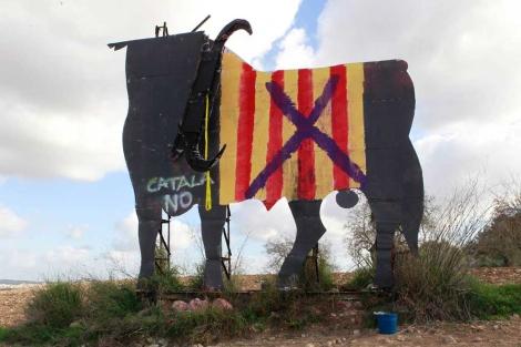 Toro decapitado en Montuiri. | Foto: Pep Vicens