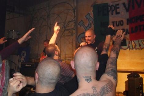 Foto de un concierto del grupo italiano Killer Sorpresa.
