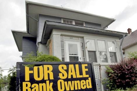 Casa embargada puesta a la venta por un banco en EEUU.   Reuters