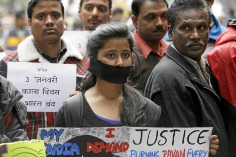 Manifestación en Nueva Delhi contra la violación de la joven. | Afp