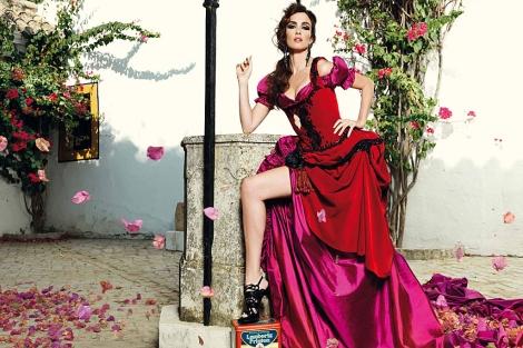La actriz sevillana Paz Vega, en una imagen publicitaria.   El Mundo