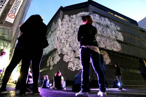 'Flashmob' para la inauguración del mural, este jueves. | Manuel Lorenzo