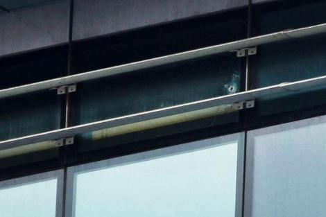 Sede de Nueva Democracia que ha sido atacada. | Reuters
