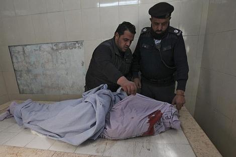 El cadáver del joven palestino yace en un hospital de Ramala. | Efe