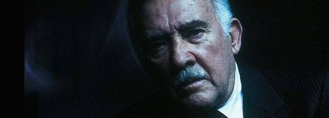El actor Fernando Guillén, en un fotograma de la película 'Palabras encadenadas'.