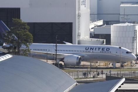 Un Boeing 787 de United Airlines estacionado en Houston. | Reuters