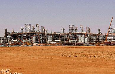 La planta gasística donde se encuentran los secuestrados en Argelia.   Afp