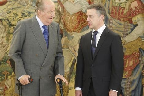 Don Juan Carlos, con el 'lehendakari' Iñigo Urkullu, en La Zarzuela. | José Aymá