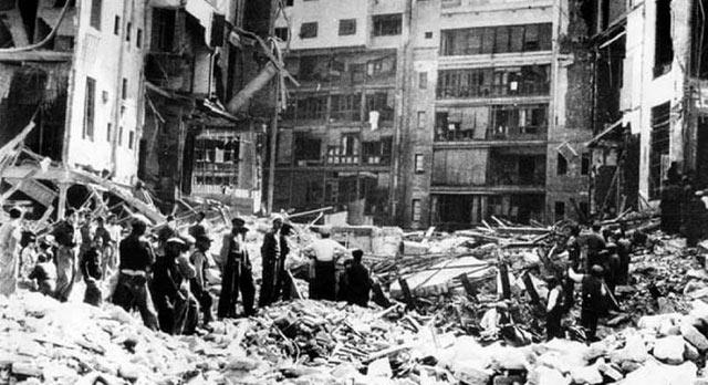 Bombardeo en Barcelona en 1938.