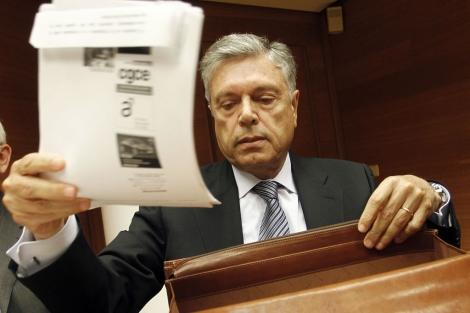 Modesto Crespo, durante la comisión de investigación en las Cortes. | José Cuéllar