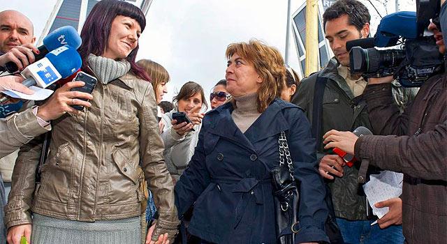 María Luisa Torres, junto a su hija. | Gonzalo Arroyo