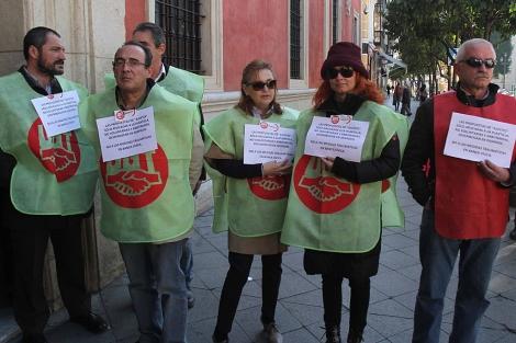 Caixabank cerrar 220 oficinas en andaluc a andaluc a for Oficinas caixabank madrid