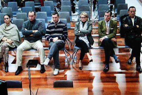 Pantoja, Zaldívar y Muñoz en el banquillo de los acusados. | A. Pastor