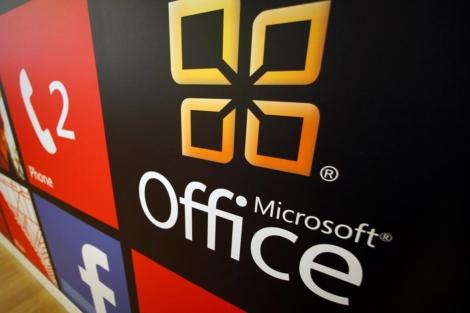 Logo de Microsoft Office en una tienda de San Diego. | Reuters
