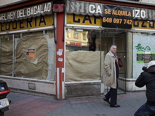 Luis Bárcenas, en los alrededores de su domicilio. | Gonzalo Arroyo