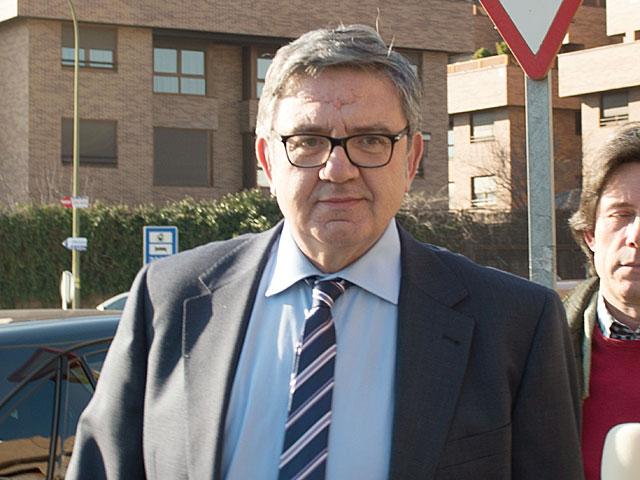 Carlos García Revenga ayer, martes, tras salir de un restaurante en Madrid. | GTRES