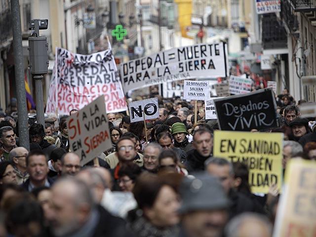 Manifestación en Guadalajara contra el cierre de las urgencias en 21 localidades.   Alberto Di Lolli