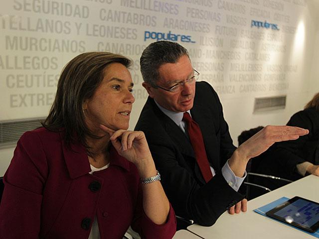 Ana Mato, con el ministro de Justicia el pasado día 21. | Paco Toledo