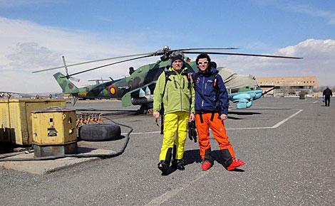 El ex tesorero del PP, con su hijo de viaje en Armenia. | EL MUNDO