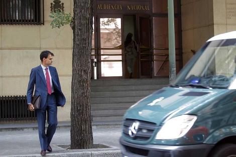 Pablo Ruz, instructor del 'caso Gürtel', a la salida de la Audiencia Nacional.   Antonio Heredia