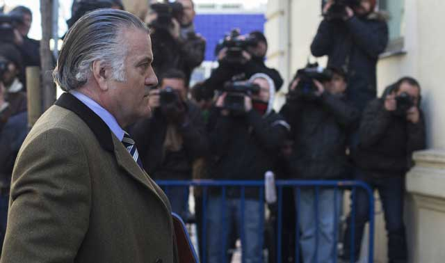 Luis Bárcenas, entrando a declarar ante el fiscal anticorrupción. | AFP