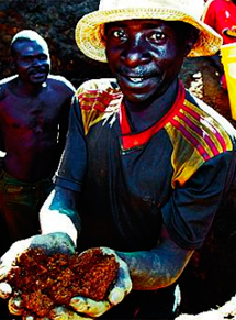 Un minero en las mina de Luissia