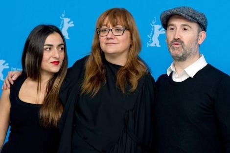 Candela Peña, Isabel Coixet y Javier Cámara en Berlín. | Efe
