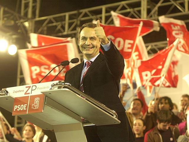 El ex presidente del Gobierno José Luis Rodríguez Zapatero en la campaña electoral para las elecciones de 2004.   Cati Cladera