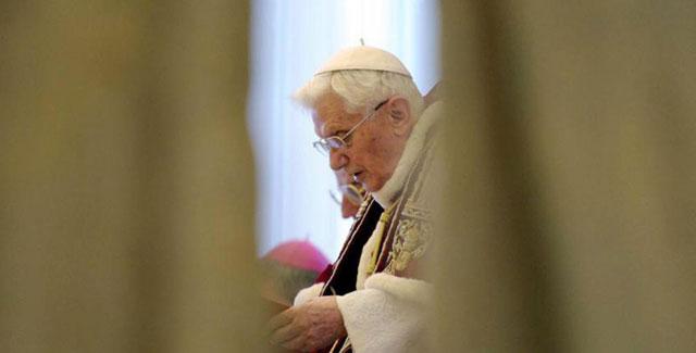 Benedicto XVI, ayer durante el Consistorio de cardenales. |Efe/Osservatore Romano