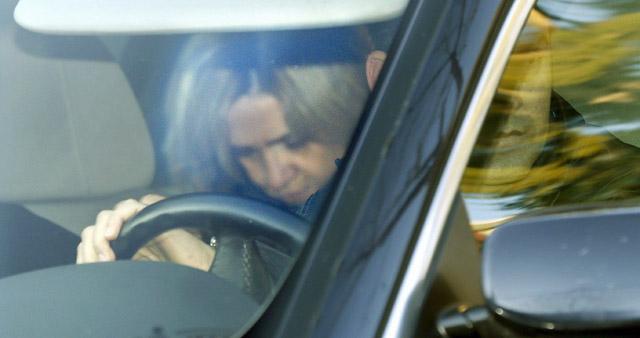 Imagen de la Infanta Cristina abandonando su domicilio el pasado 7 de febrero.   Foto: Efe
