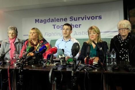 Supervivientes de los abusos en 'La Magdalena', en una aparición pública. | Reuters