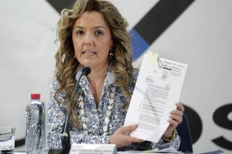 La presidenta Hunosa, María Teresa Mallada, anuncia la querella contra Grupo Alonso. | Efe