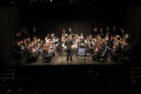 La banda de música 'La Soledad' de Cantillana, durante un concierto. | ELMUNDO.es