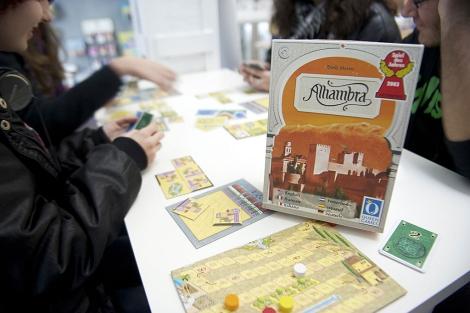 Varios jugadores disputan una partida del 'Alhambra'. | Jesús G. Hinchado