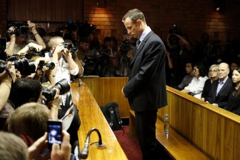 Imagen de Oscar Pistorius, a la espera de conocer la decisión del juez.