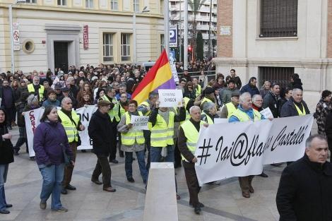 Manifestantes, este sábado en Castellón, durante la protesta. | Juan Martí