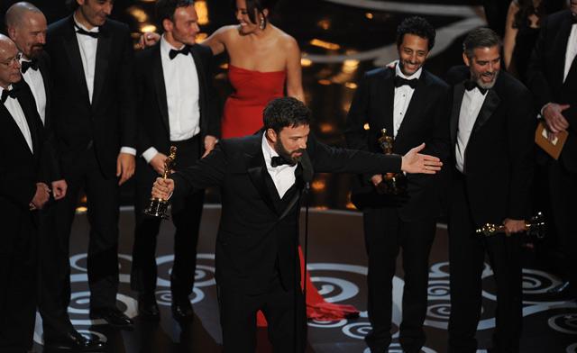 Ben Affleck, junto al resto de productores de 'Argo'. | Afp