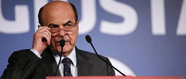 El líder de centroizquierda Bersani, en una rueda de prensa en Roma.   Reuters